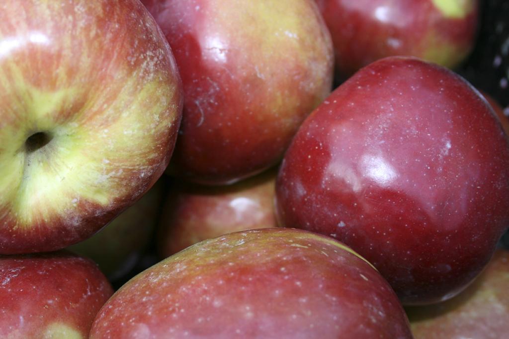 Do Apples Make You Burp?