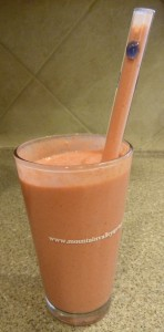 Navitas Naturals Smoothment Strawberry Smoothie with Glass Dharma Straw