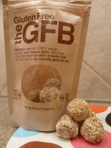 The Gluten Free Bar GFB Coconut cashew crunch bites Protein Bar Review 4